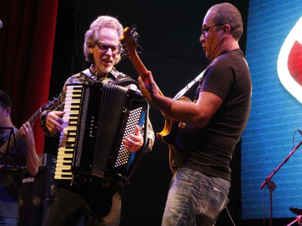 Shows do Quinteto Sanfônico da Bahia, Renato Borghetti e do americano Murl Sanders marcam o segundo dia do IV Festival Internacional da Sanfona