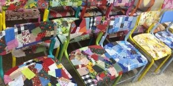 Arte e sustentabilidade são aliadas na recuperação de cadeiras