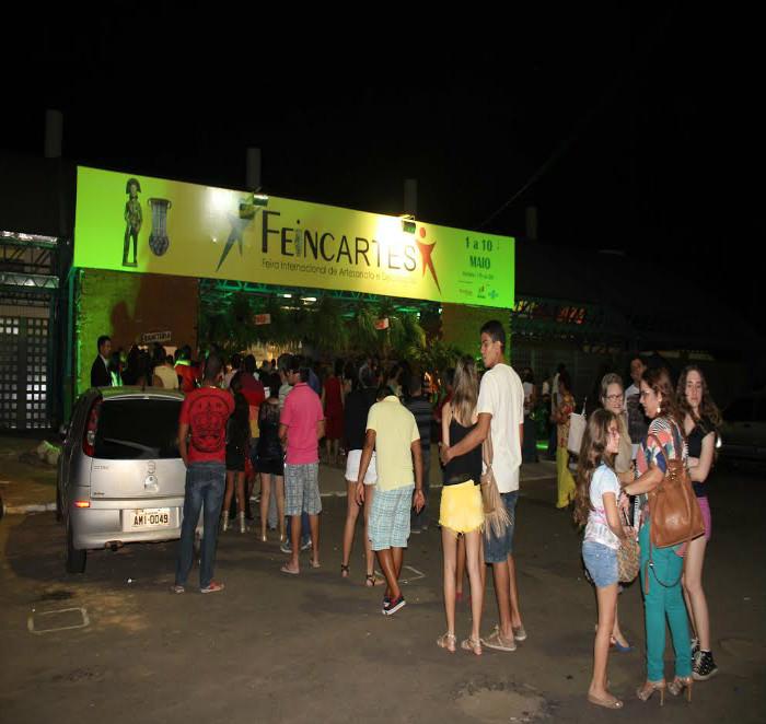 Petrolina  sedia de 4 a 13 de novembro a V Feincartes – Feira Internacional de Artesanato e Decoração