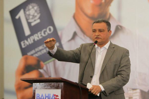 Governo lança programa Primeiro Emprego com nove mil vagas