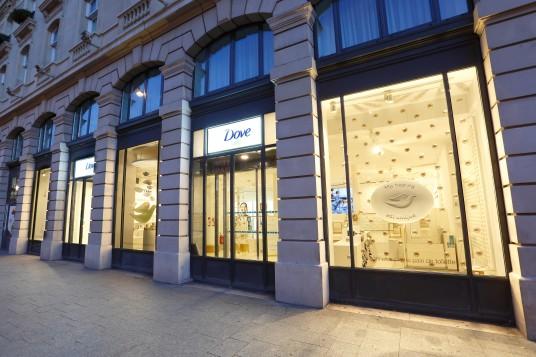 Dove inaugura loja temporária em Paris