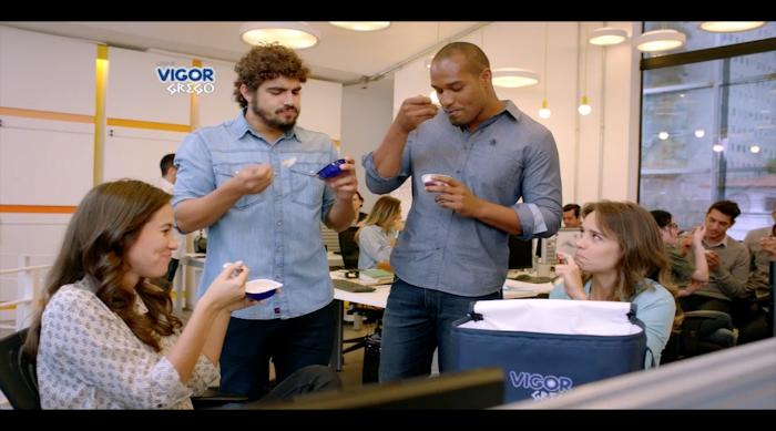 """Vigor Grego lança campanha com foco nos diversos """"momentos"""" de consumo da marca"""