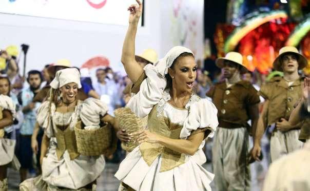 Grande Rio acerta na aposta: Ivete é a sensação da Sapucaí