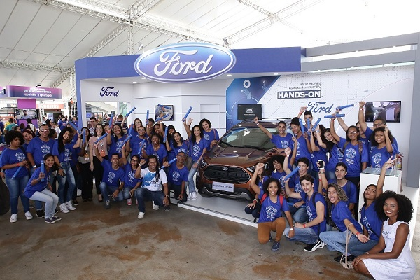 FORD PROMOVE FORMATURA DE 100 ALUNOS DO PROGRAMA DE EDUCAÇÃO PARA JOVENS DURANTE A CAMPUS PARTY BAHIA