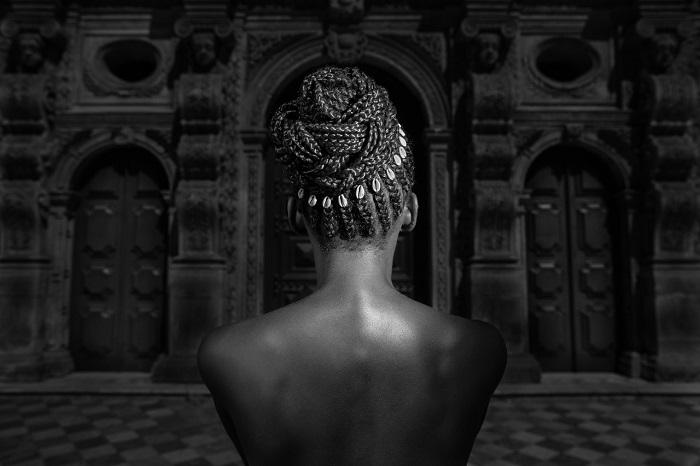 Robério Braga lança olhares sobre a cabeça dos afrodescendentes