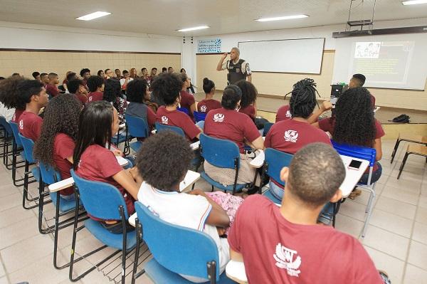 Ronda Escolar realiza palestra sobre bullying em escola da rede estadual