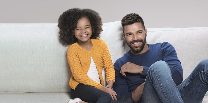 Ricky Martin estrela campanha da marca Elite na América Latina