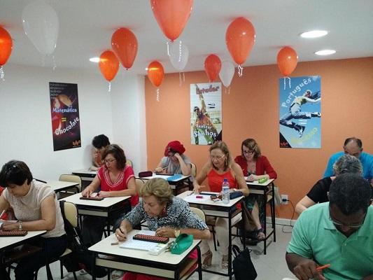 Escola de ginástica para o cérebro comemora quatro anos em Salvador