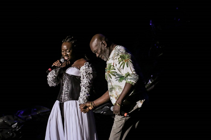 Nara Couto apresenta força e leveza da mulher negra em palco principal do Teatro Castro Alves
