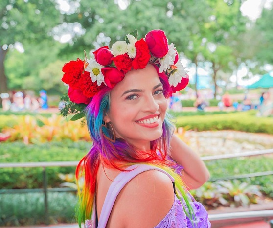 Anna Layza vai explorar universos mágicos em sua estreia em nova rede social